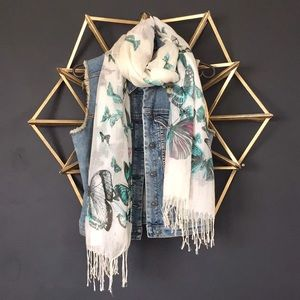 Accessories - 💥2/$15 Butterfly Scarf